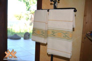 coppia asciugamani disegno rose 2 colori