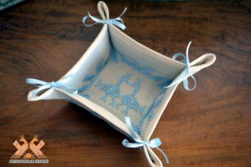 cestinetto svuotatasche disegno pavoncella
