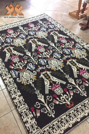 tappeto tutto pieno disegno colombe della pace