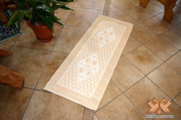 tappeto semipieno disegno margherita con rombetti